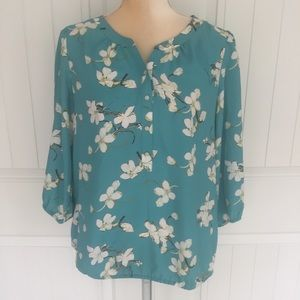 Ann Taylor LOFT floral blouse size medium